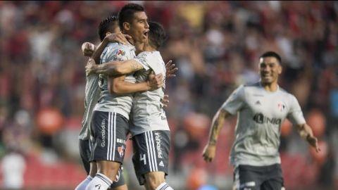 Atlas inicia el torneo con victoria ante Querétaro