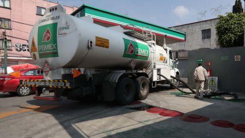 Pemex quita control de nuevas pipas al sindicato petrolero