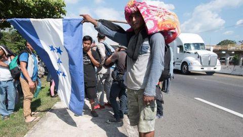 La caravana migrante prosigue su duro viaje por el sureste de México