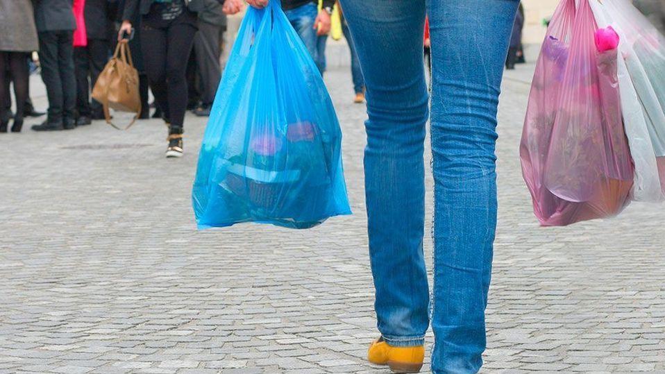 8345aca79 Reculan con la prohibición de bolsas de plástico