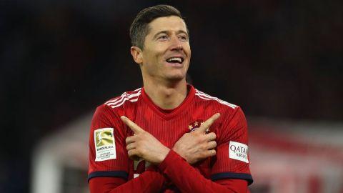 Lewandowski corrige y Bayern mantiene pelea con Dortmund
