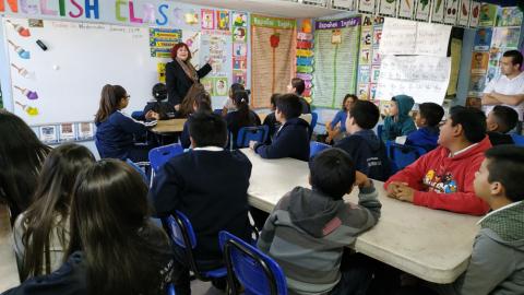 Amparan a niña con autismo para que tome clases con sus compañeros