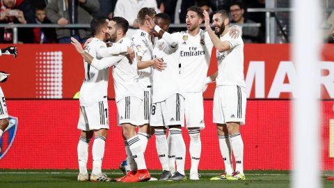 Otro recital de Benzema y el Madrid está en semis