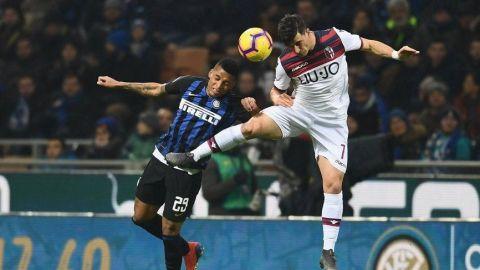 Rodeado de abucheos, Inter pierde 1-0 en casa ante Bologna