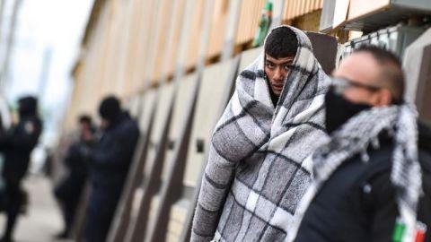 EU regresa a 5 familias migrantes a Tijuana