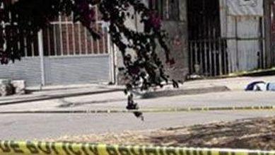 Alumno de secundaria apuñala a 2 compañeros en Celaya; uno muere