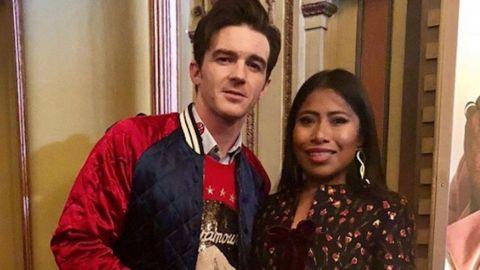 El actor Drake Bell felicita a Yalitza Aparicio