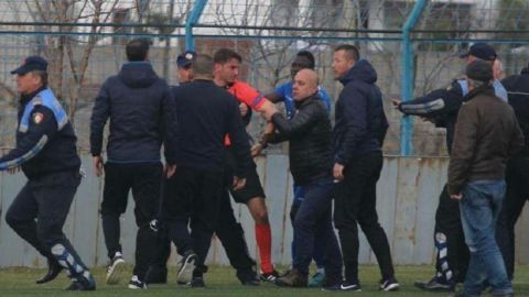 Suspenden la liga de Albania por violencia contra árbitros