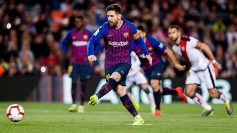 El Barça le da la vuelta al partido con tantos de Messi y Suárez