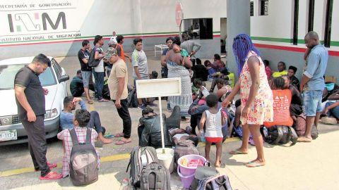 Ola migrante trae a personas desde Haití, África y Asia