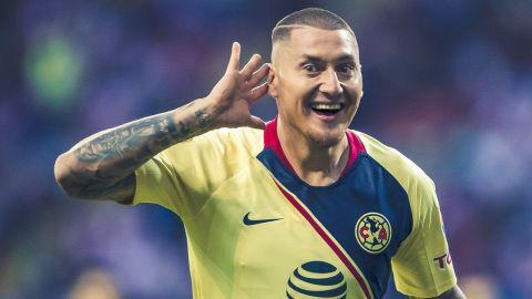 Un Chivas desastroso pierde su segundo Clásico consecutivo
