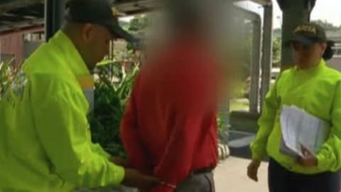Policía captura en Medellín al rector de colegio por abuso sexual de menores