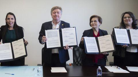 Instalan mesa a favor de la mujer en Tijuana, frente a la violencia de género