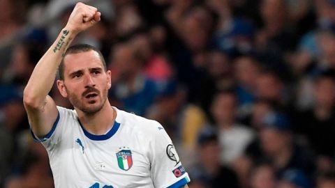 Italia vence a Grecia y confirma su mejoría