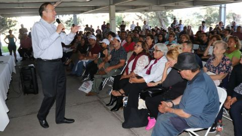 Arturo González se declara listo para la transición
