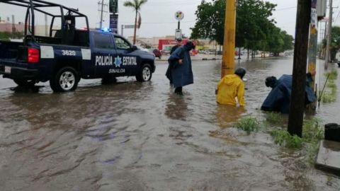 Desalojan a 56 familias en Mazatlán por tormenta Ivo