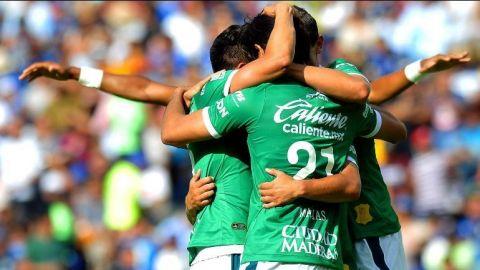 León golea a Querétaro en su estadio y le quita el invicto