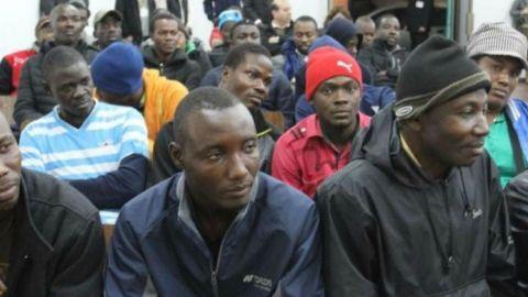 Llegan de Camerún a pedir asilo político a Estados Unidos