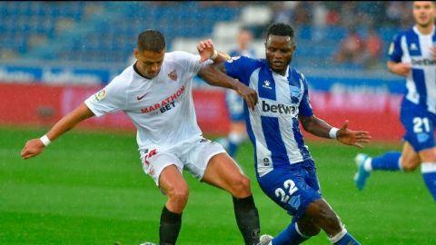 """""""Chicharito"""" Hernández debuta en victoria de Sevilla sobre Alavés"""