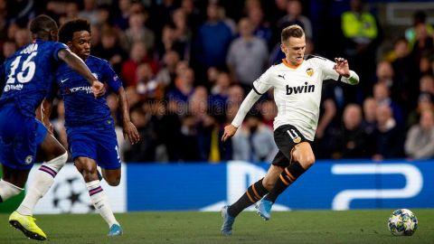 El Valencia conquista Stamford Bridge y al Chelsea