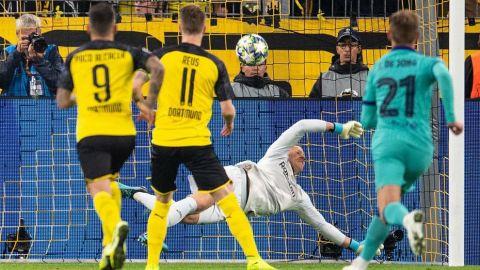 Ter Stegen salva al Barça ante el Borussia Dortmund