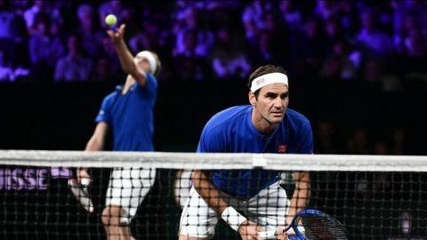 Federer gana punto de dobles y Europa aventaja en Copa Laver