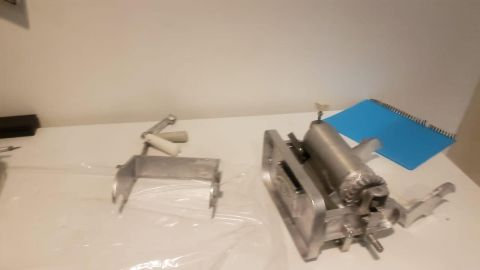 FOTOS: Aseguran metanfetamina oculta en rodillos de maquina para tortillas