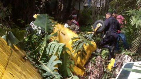 Sube a dos la cifra de muertos en accidente de una avioneta en El Salvador
