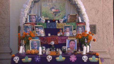 Un altar recuerda en Los Ángeles que las políticas migratorias ''matan niños''