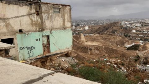 """Insiste autoridad municipal en """"desalojar"""" a familias de Lomas del Rubí"""