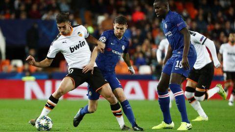 Trepidante empate en Mestalla que deja a Chelsea y Valencia con vida