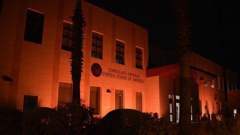 Iluminan de naranja Consulado contra violencia de género
