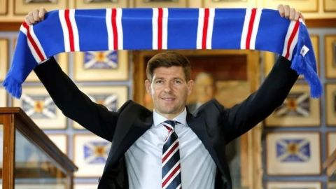 Steven Gerrard renueva con Rangers de Escocia hasta 2024