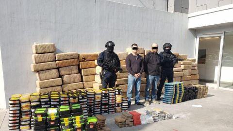 Arresta SSPCM a dos sujetos en posesión de droga y armas.