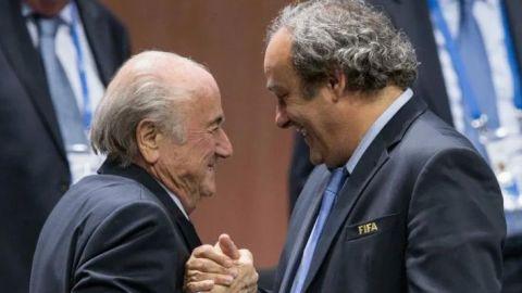 La FIFA demanda a Blatter y Platini por dos MDD
