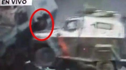 VIDEO: Tanqueta de Carabineros en Chile embiste y aplasta a manifestante