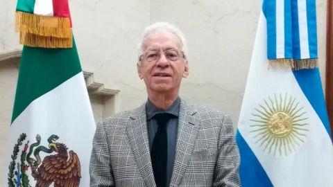 Embajador mexicano acusado de robo, renuncia por salud
