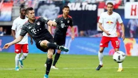 Leipzig lidera la Bundesliga, pero el Bayern resurge