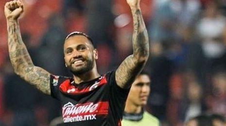 Julián Velázquez se despide de Xolos, asegura regresar