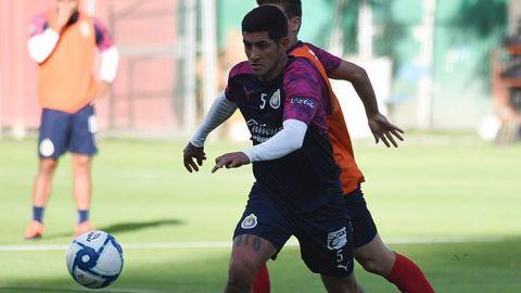 """Guzmán: """"Si no hubiera jugado futbol, hubiera caído en las drogas"""""""