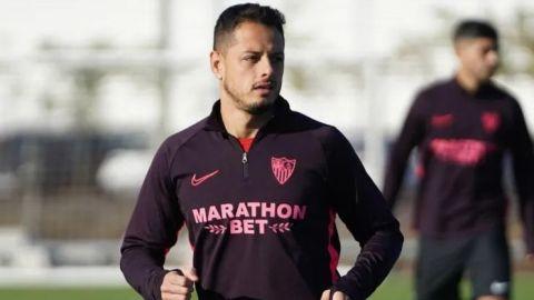 ''Chicharito'' entrena con Sevilla antes de irse al Galaxy
