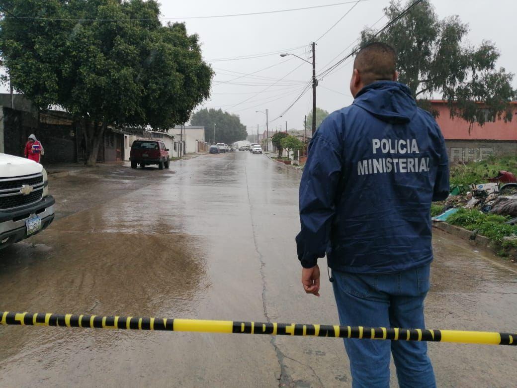 Policías de Tijuana hallan 4 cuerpos enterrados en la casa de ancianos