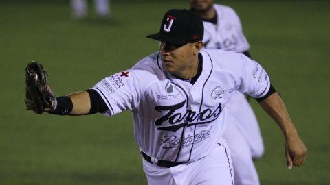 Efrén Navarro regresa a Toros de Tijuana