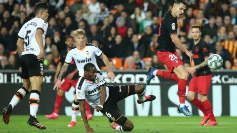 Valencia y Atlético firman tablas en un partido eléctrico y vibrante