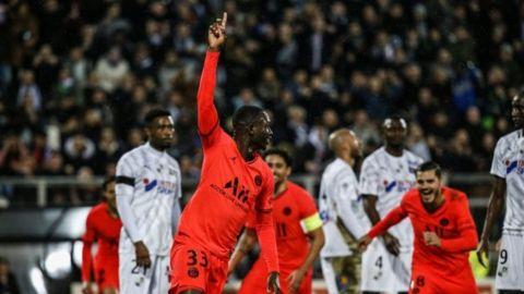 Zaga de PSG colapsa, en empate 4-4 ante Amiens