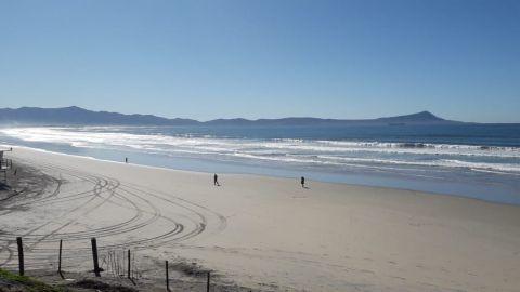 Prohíben acceso a playas