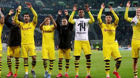 Jugadores del Borussia Dortmund se bajan el sueldo