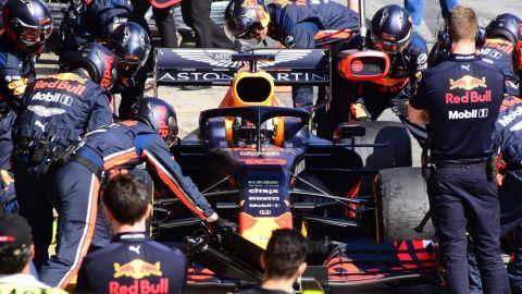 Asesor de Red Bull quiso contagiar a sus pilotos en Fórmula 1