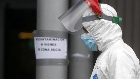 Contagiados por COVID-19 en Chile llegan a más de 4.100 con 5 nuevos decesos