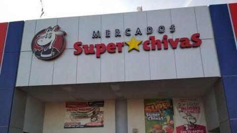 Fueron los empleados, dice cadena Súper Chivas, sobre discriminación a enfermera